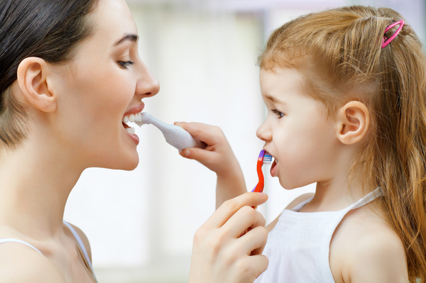 Jak prawidłowo myć zęby